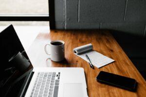 会社員がフリーランスの働き方を実現するために必要な準備とは?